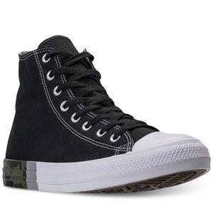 BNIB Chuck Taylor Converse Hi-Top Camo Sneakers